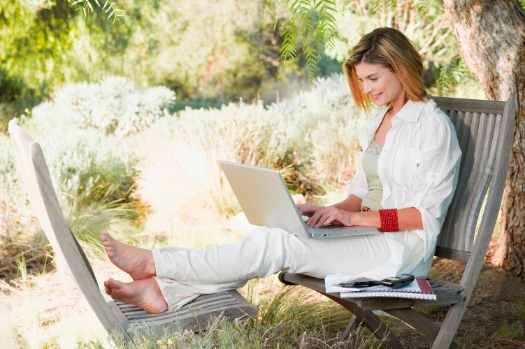 Woman with laptop resized